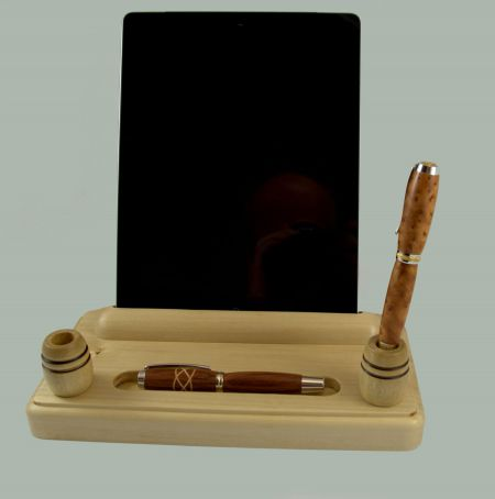 Desk set with bright iPad holder