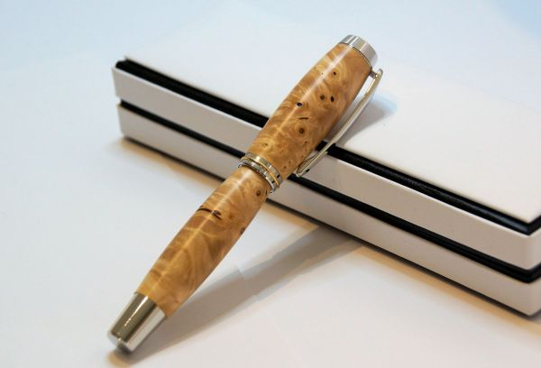 "Fountain Pen ""RB Elegance"" Karelian birch burl"